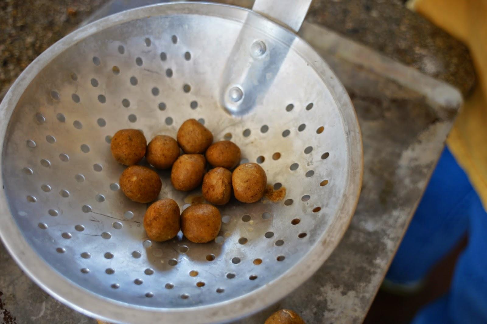 Michigan carp fishing blog making homemade carp boilies for Dough balls for fishing