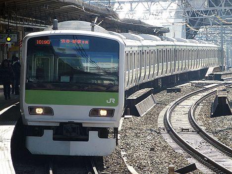 山手線 渋谷新宿方面行き