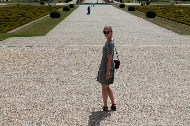 Black and white printed summer dress at the Vaux-le-Vicomte French castle