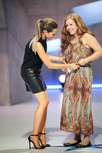 Mandy Capristo exchanges dress with DSDS candidate