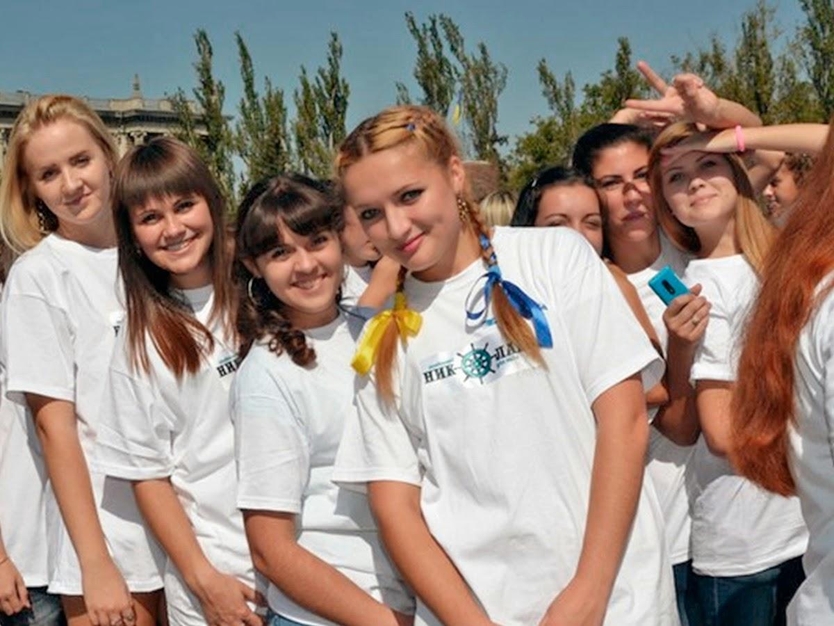 Миколаївська молодь презентувала логотип міста у вигляді штурвалу.
