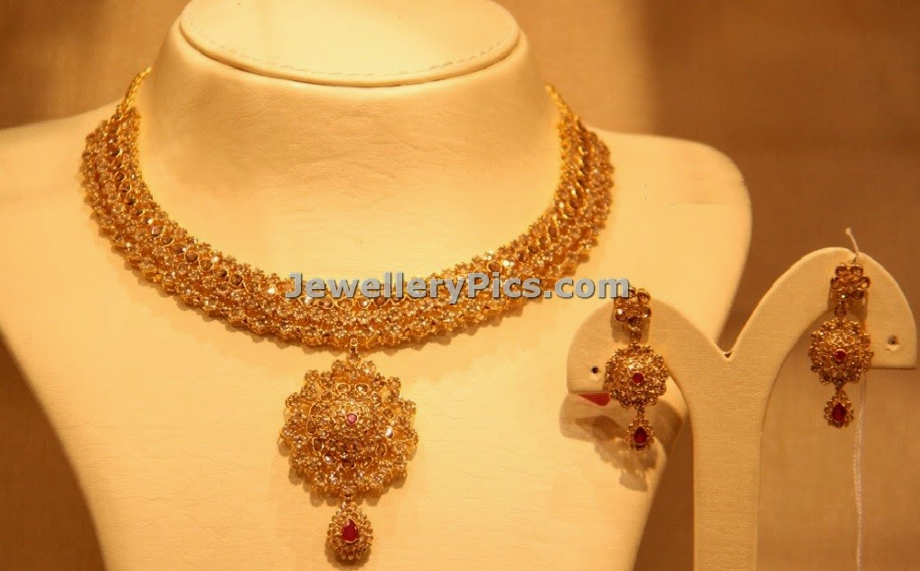 Elegant Stones and rubies studded necklace