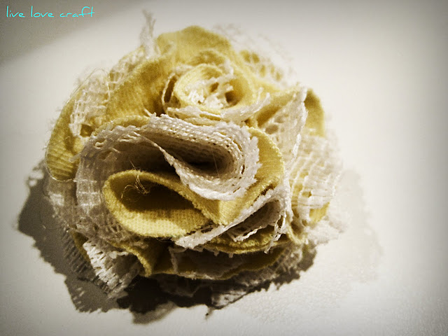 Jadi dech bunga dari kain-nya^.^