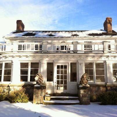 Yuletide Spirit Tours at Farnam Manor