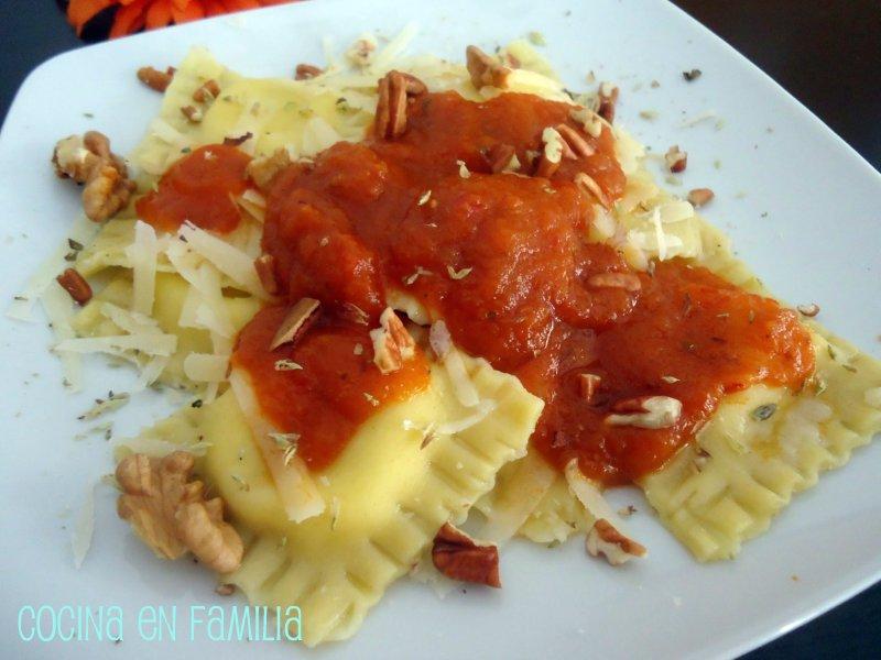 Cocina en familia raviolis rellenos de crema gorgonzola for Canal cocina cocina de familia