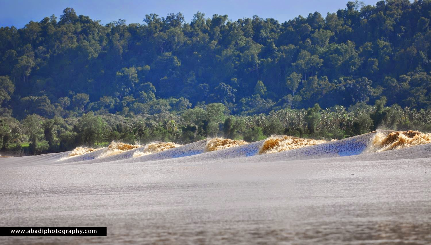 Big tidal bores cresting along the Batang Lupar Sri Aman | Abadi Photography