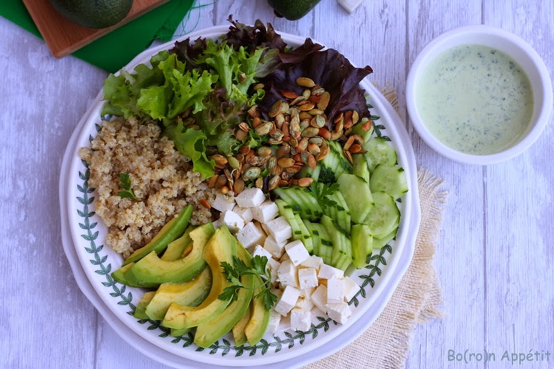 Sałatka z awokado i komosą ryżową
