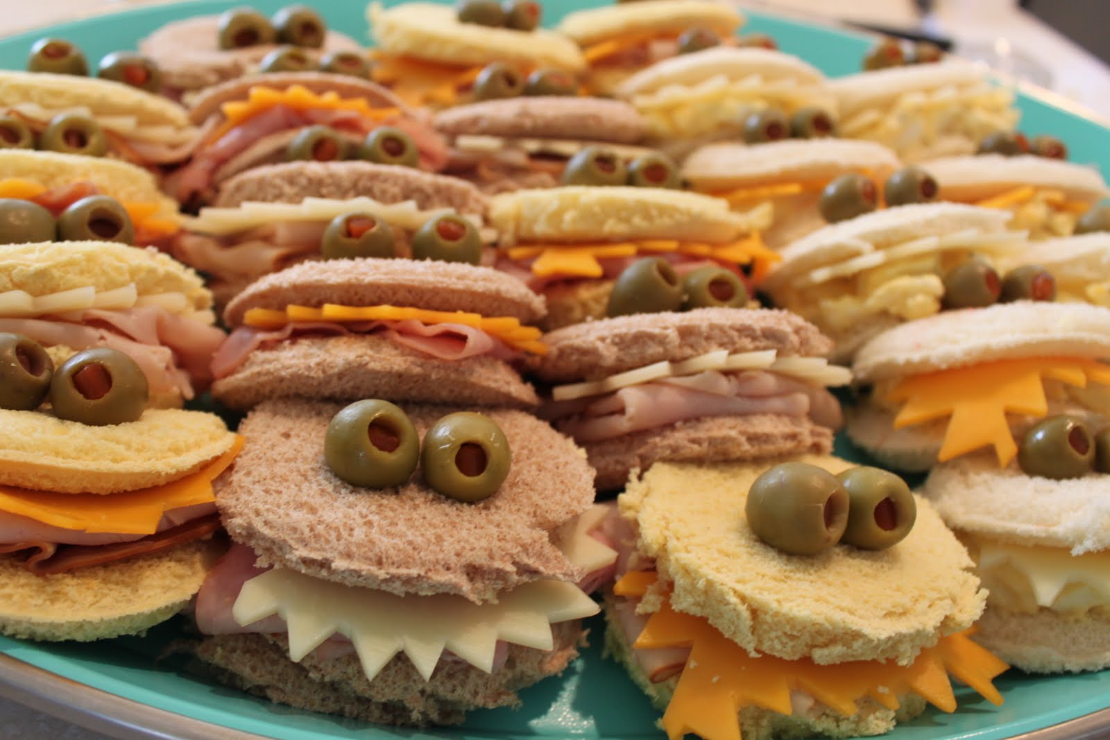 My own road monster sandwiches - Comida para cumpleanos adulto ...