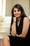 Actress Aarushi Glamorous Photos in Black-thumbnail-2
