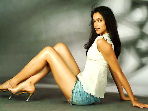 Deepika Padukonde showing her Long Legs, Most Search Actress in February 2012