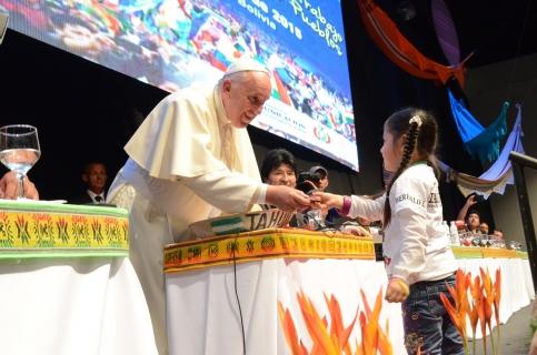 """Papa: """"Pido perdón por las ofensas y crímenes de la Iglesia contra los pueblos originarios en la conquista"""" - Bolivia informa"""