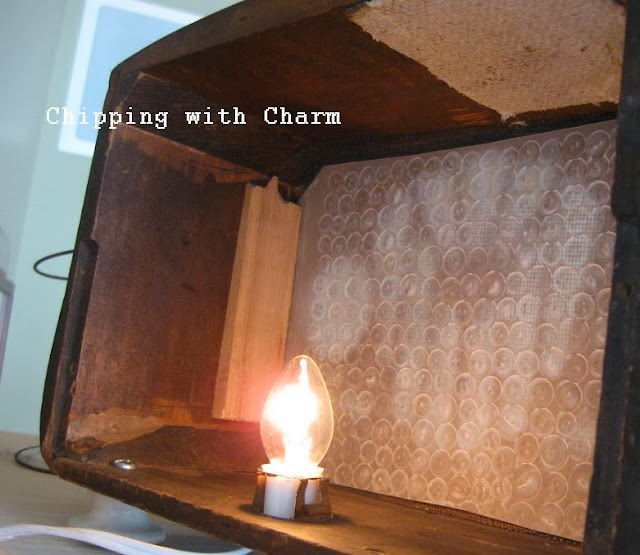 Chipping with Charm: Old Radio to Light...http://www.chippingwithcharm.blogspot.com/