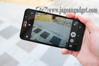 ASUS Zenfone 2 memiliki kamera belakang beresolusi 13MP