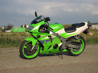 2015 Brilliant Bargain Middleweight Motorcycle : 1996 Kawasaki ZX-6R