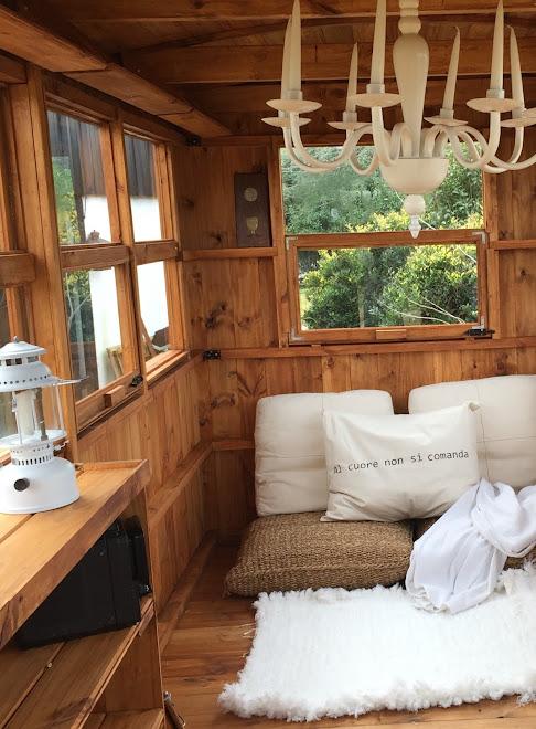 Vagon pequeño para sala de lectura