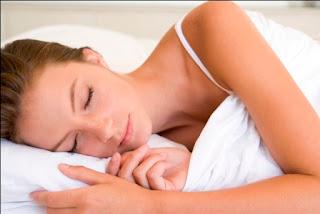 Manfaat Tidur Menyamping