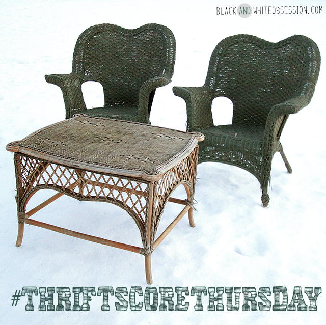 #thriftscorethursday Week 8 Dumpster Dive: Wicker Patio Set | www.blackandwhiteobsession.com