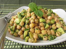 avocado lime chickpea salad