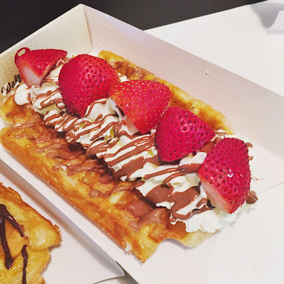 strawberry cream waffles wafflemeister KLCC