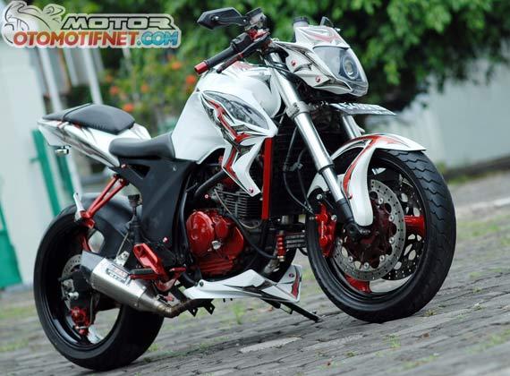 Modifikasi Motor Scorpio Z Gaya Street Fighter