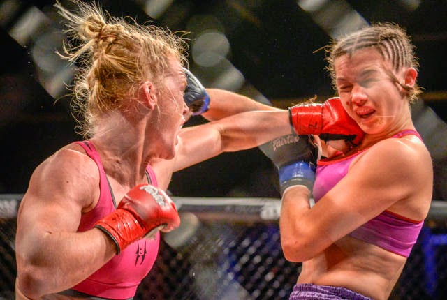 Holly Holm vs Juliana Wegner