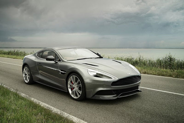 2013-Aston-Martin-Vanquish-Wallpaper