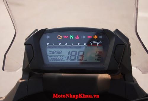 Bảng hiện thỉ đầy đủ thông tin, xe tích hợp ABS an toàn.