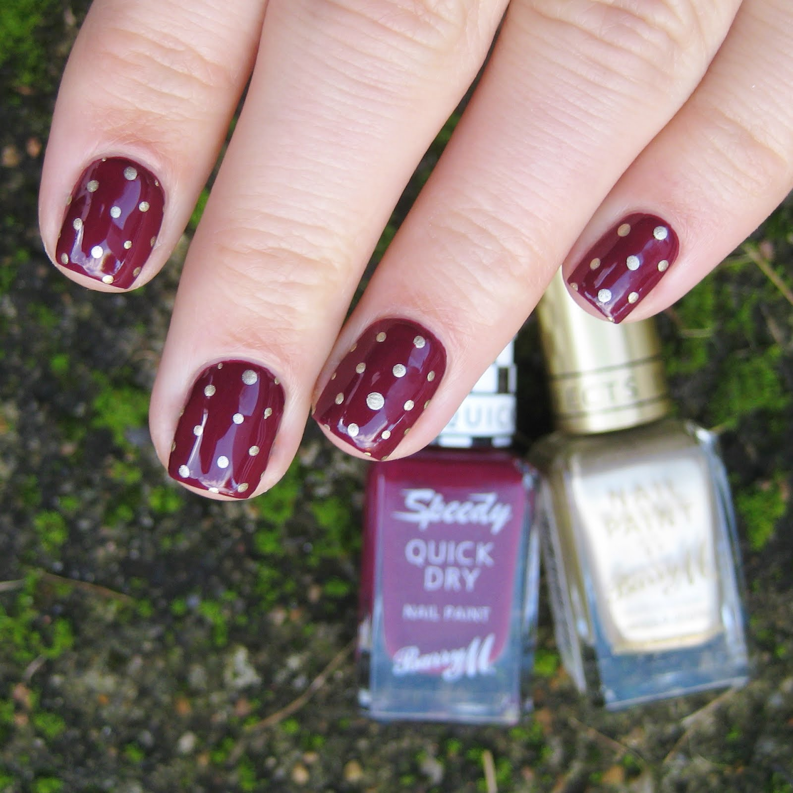 Dahlia Nails: It\'s Party Time