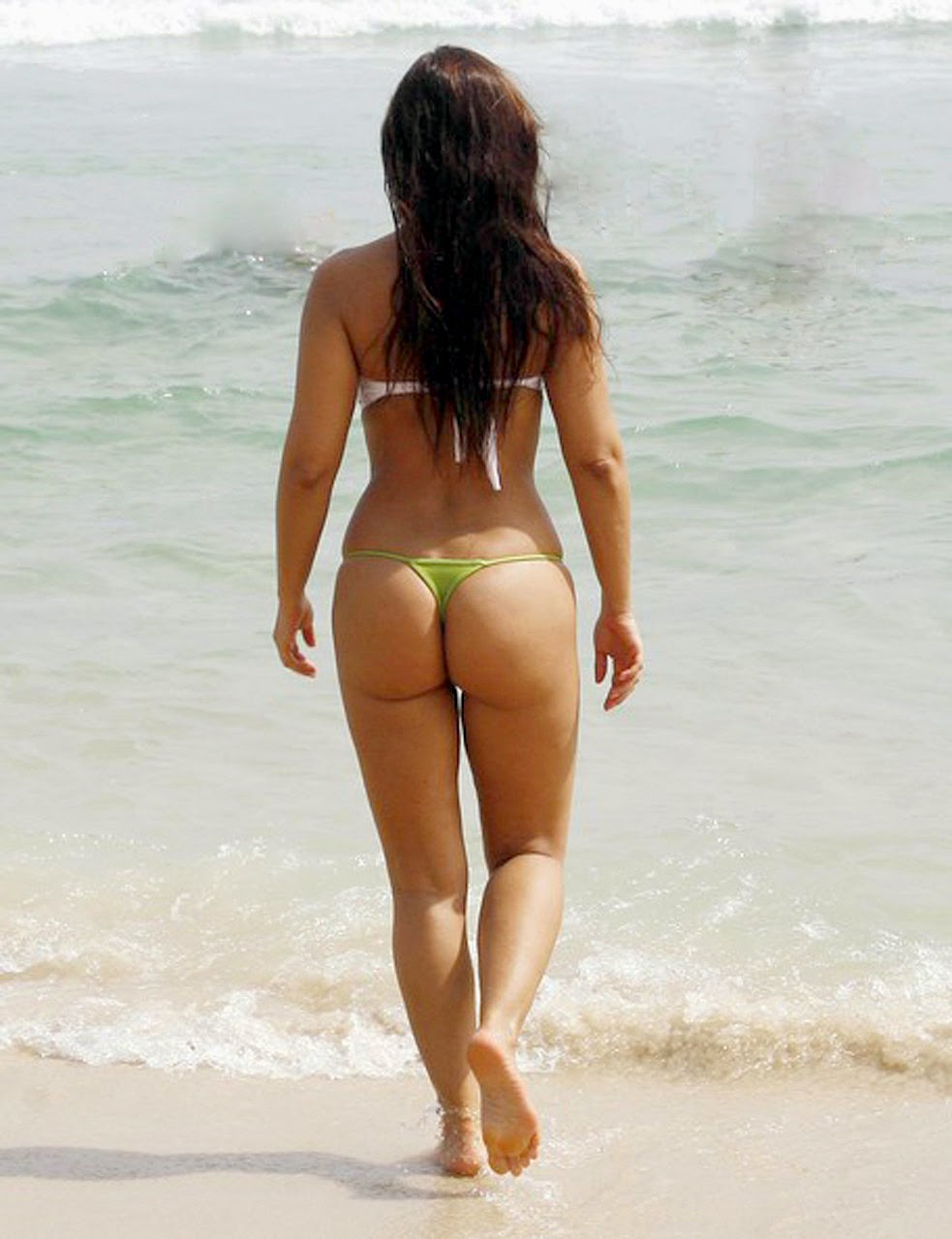 Nana Gouvea Showing Off Her Bikini Body In Rio