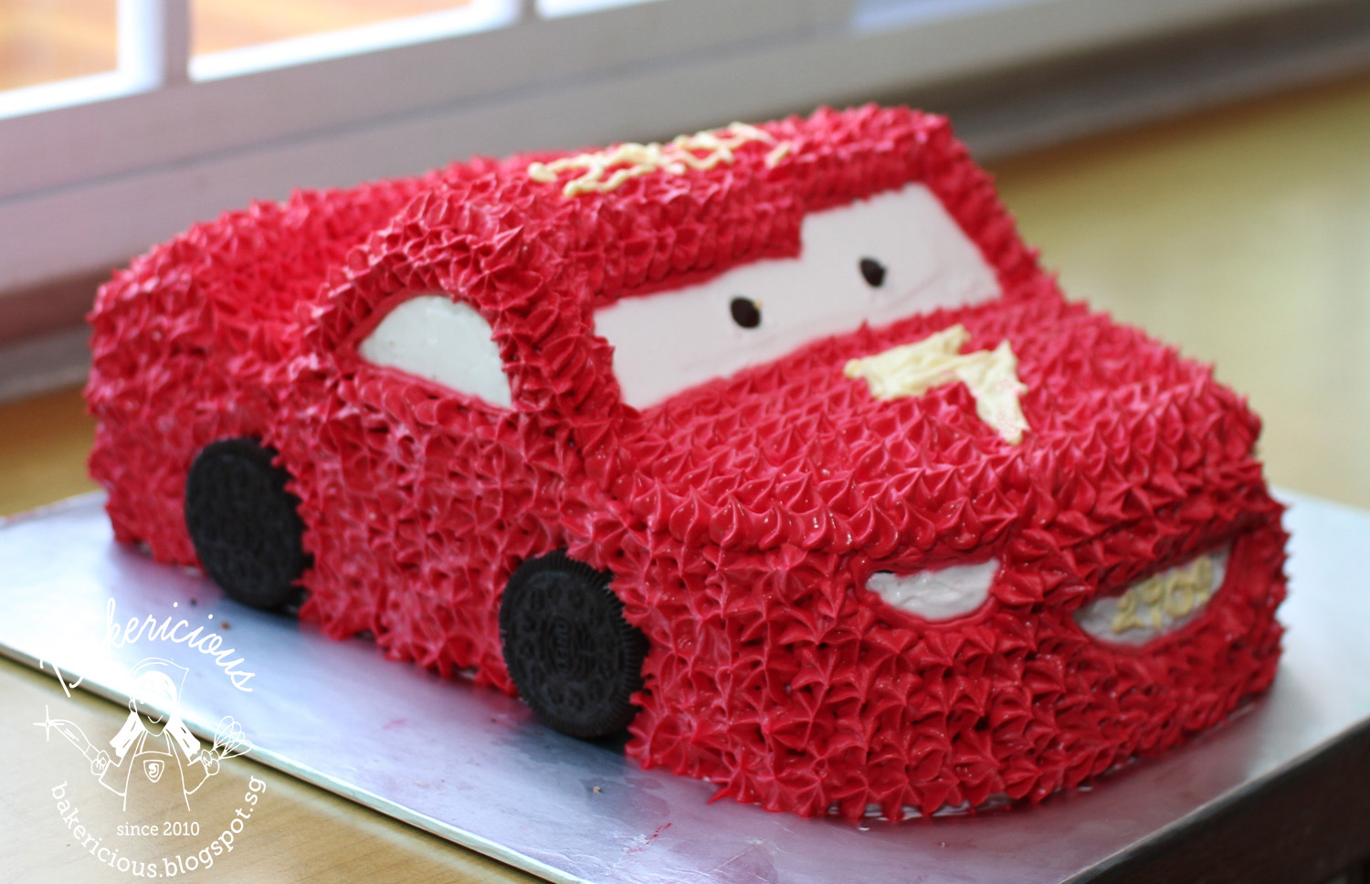 Bakericious Lightning Mcqueen Car Cake