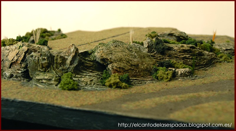 New and Old scenery. - Page 3 Tablero-modular-warhammer-colinas-escarpadas-poliestileno-corteza-pino-9