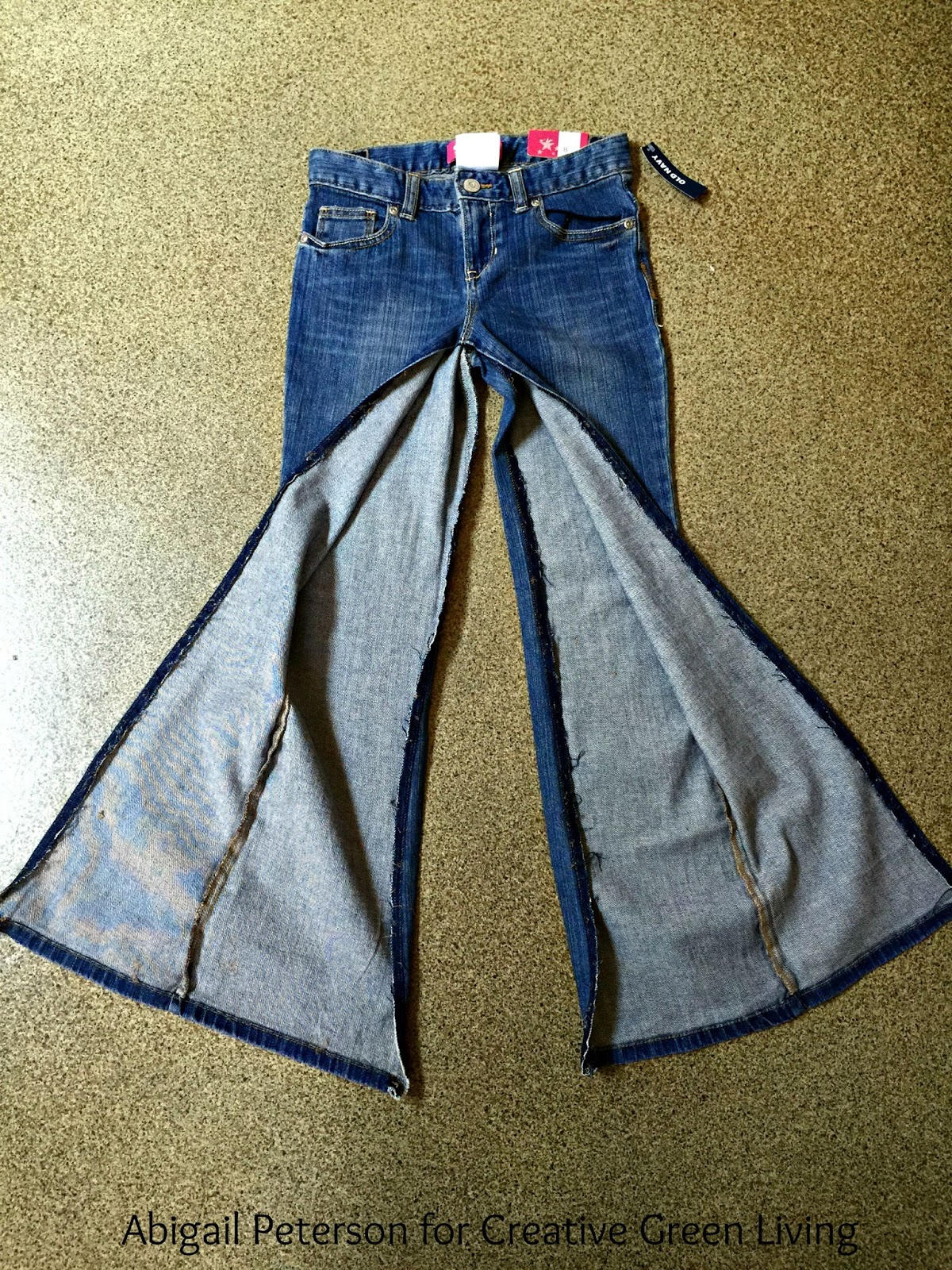 how to make a diy skirt out of jeans creative green living. Black Bedroom Furniture Sets. Home Design Ideas