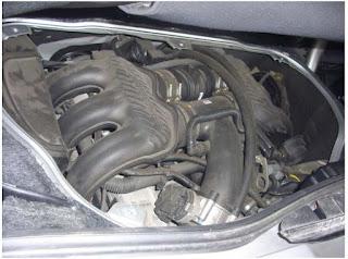 Ouvrir le capot moteur (supérieur) 8