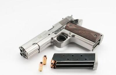 Curiosa pistola cano duplo AF2011-A1