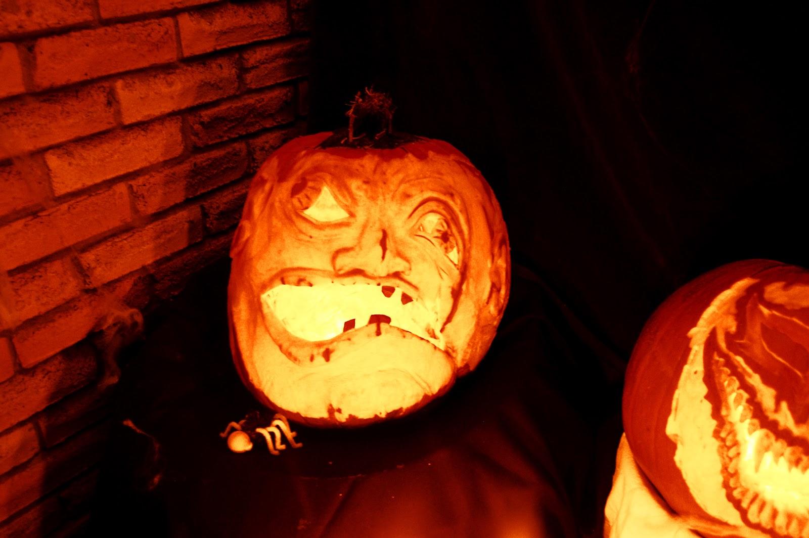 http://4.bp.blogspot.com/-UCYMbdScZTs/UJJ0EvE8hCI/AAAAAAAAAIQ/XzUgQY79ec0/s1600/pumpkin.jpg