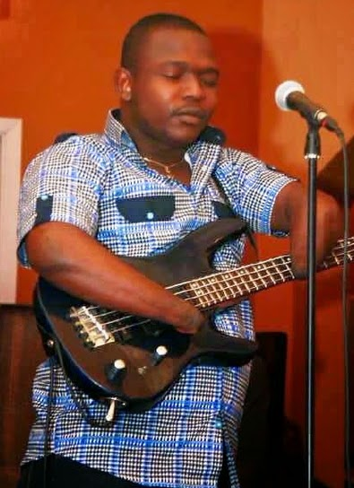 nigerian guitarist born without fingers