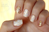 http://fckyeahprettynails.blogspot.hu/2013/12/the-getting-ready-for-christmas_24.html