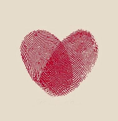 carimbo com dedos em coração