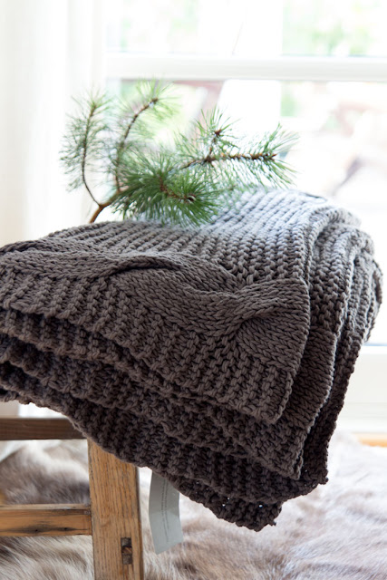 Amalie loves Denmark Give away Broste Copenhagen Strickdecke