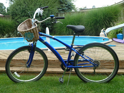 Bicycle with Beach Cruiser Handlebars