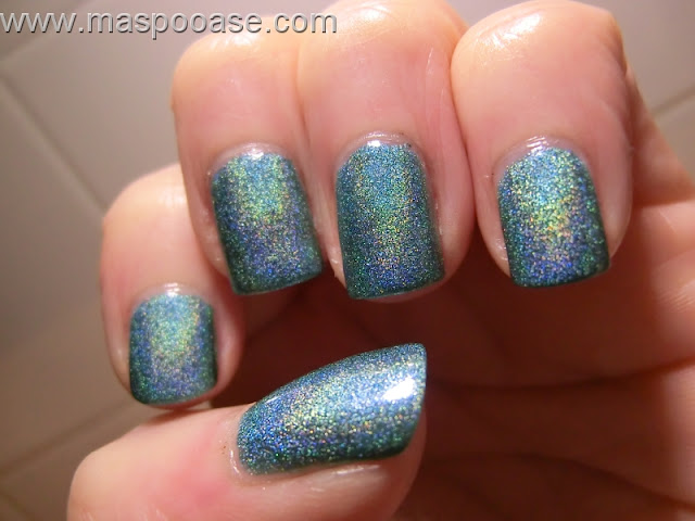 Pretty_Jelly_Diamond_S-teal-er_holo_Swatch
