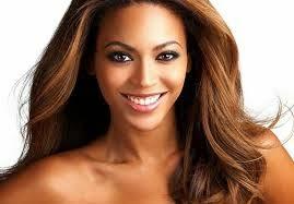 Beyoncé canta tema de Shirley e Laerte
