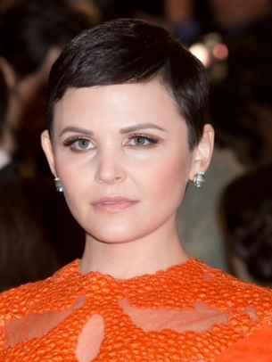 Celebrity-Short-Hair-Styles-for-Women-2012-2