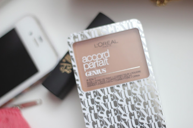 photo-maquillaje-accord_parfait-genius-l'oreal_paris-perfecto-para-el-bolso