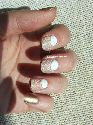 http://belgijska.blogspot.com/2015/05/nail-stamping-challenge-laces.html