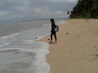 puisi indonesia - Fiksi Pasir dan Ombak di pantai kijing mempawah