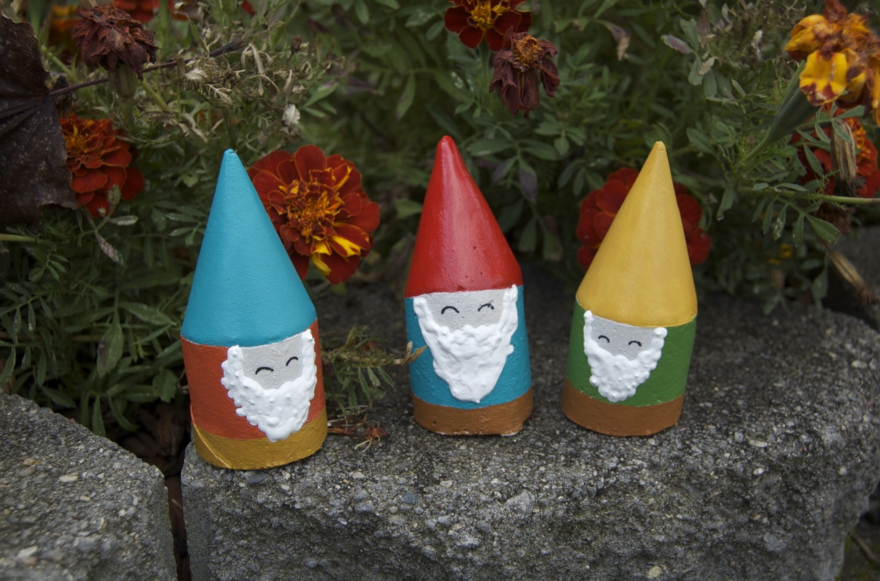 Let 39 s make those gnomes a wordless tutorial matsutake for Making things for the garden