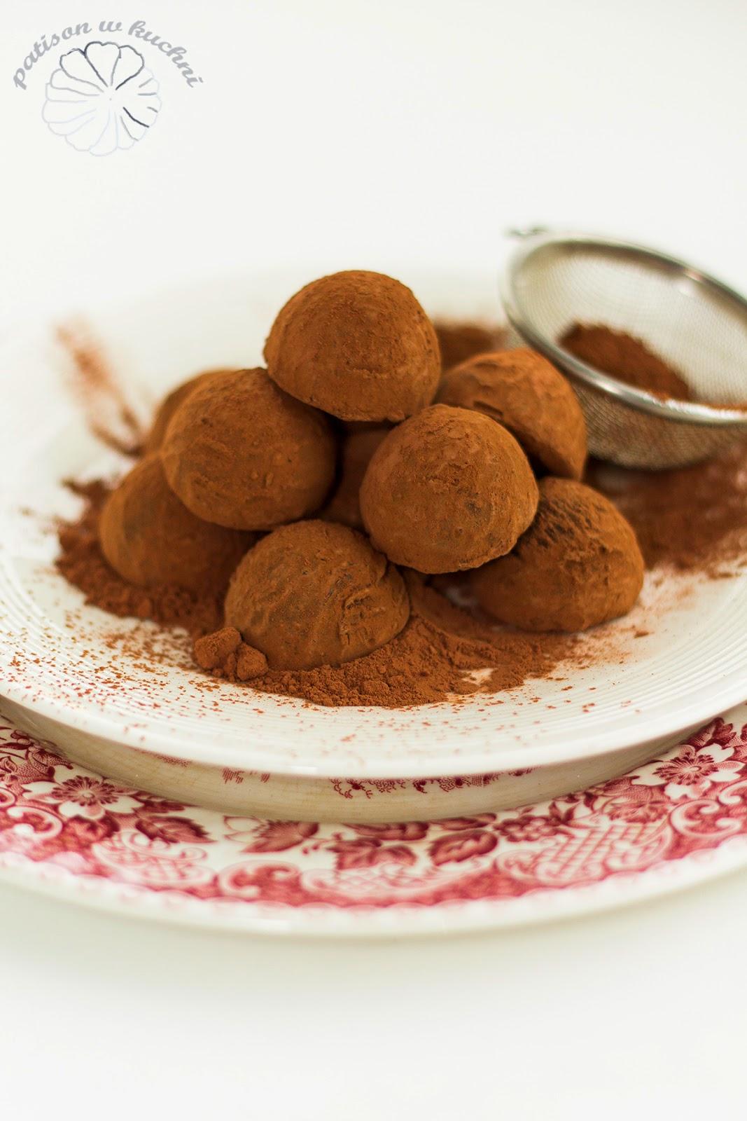 Truffles in cocoa