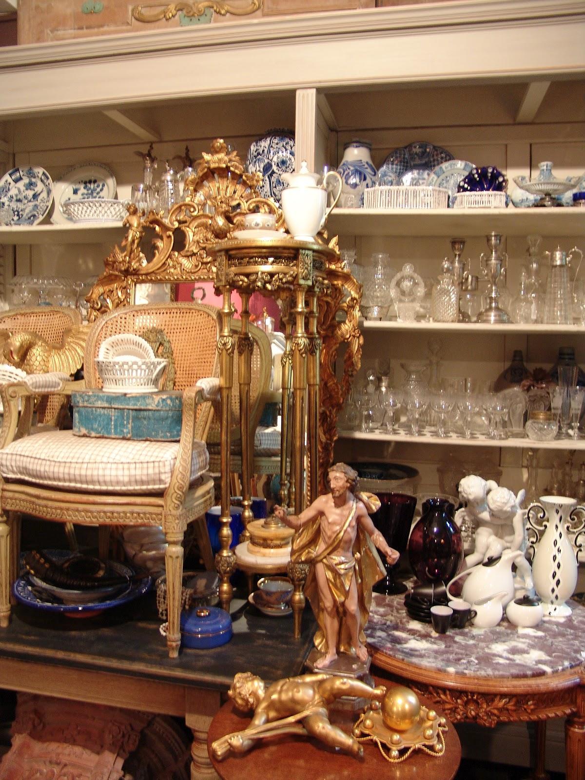 Manu antiek antiques for Antiek interieur