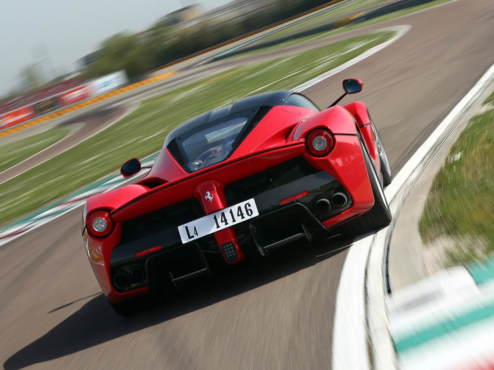 Ferrari LaFerrari - recall